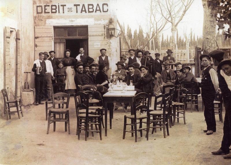 5.Bar des Arénes en 1914