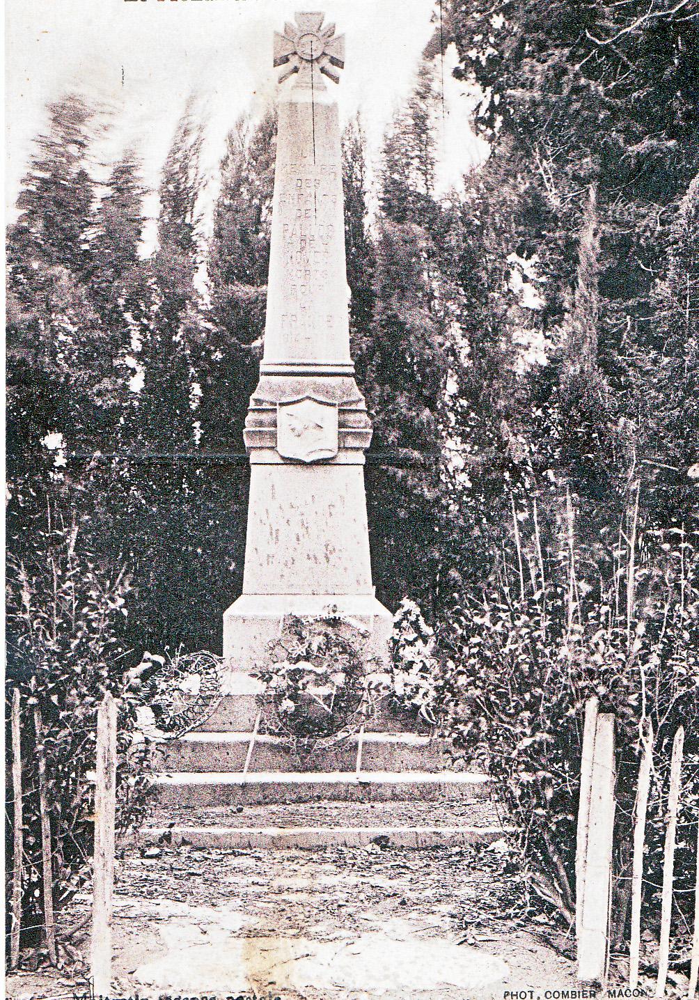 25 monument aux morts