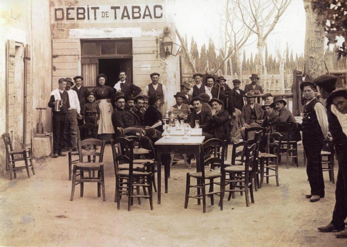 Bar des arenes en 1906